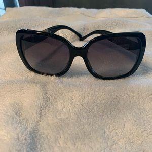 Burberry Accessories - Burberry women's sunglasses